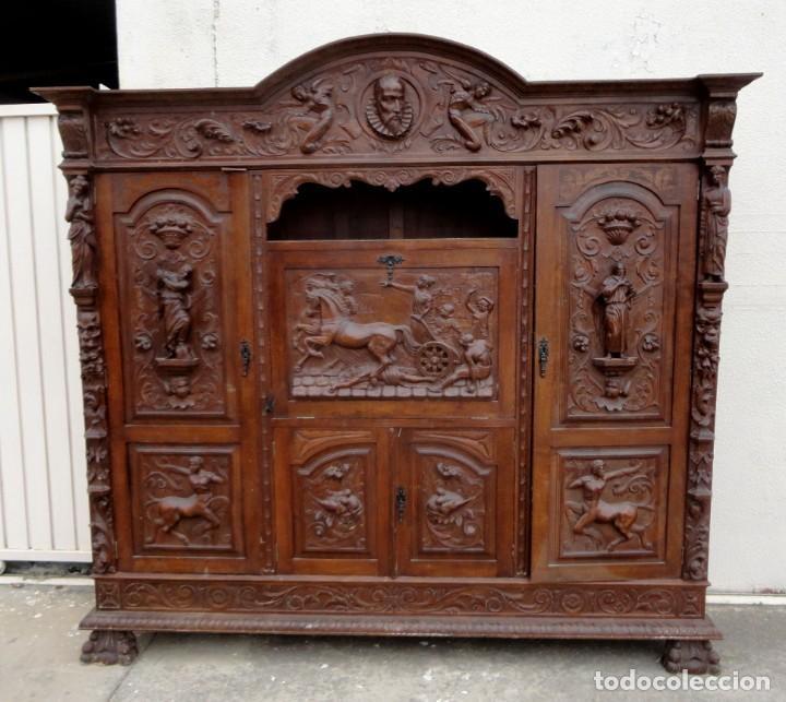 Antigüedades: Libreria antigua de despacho estilo renacimiento muy tallada en madera de haya - Foto 3 - 259769845