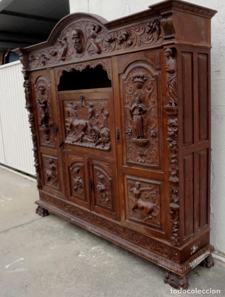Antigüedades: Libreria antigua de despacho estilo renacimiento muy tallada en madera de haya - Foto 5 - 259769845