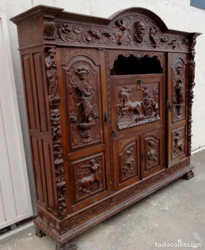 Antigüedades: Libreria antigua de despacho estilo renacimiento muy tallada en madera de haya - Foto 6 - 259769845