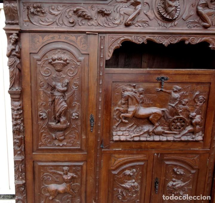 Antigüedades: Libreria antigua de despacho estilo renacimiento muy tallada en madera de haya - Foto 7 - 259769845