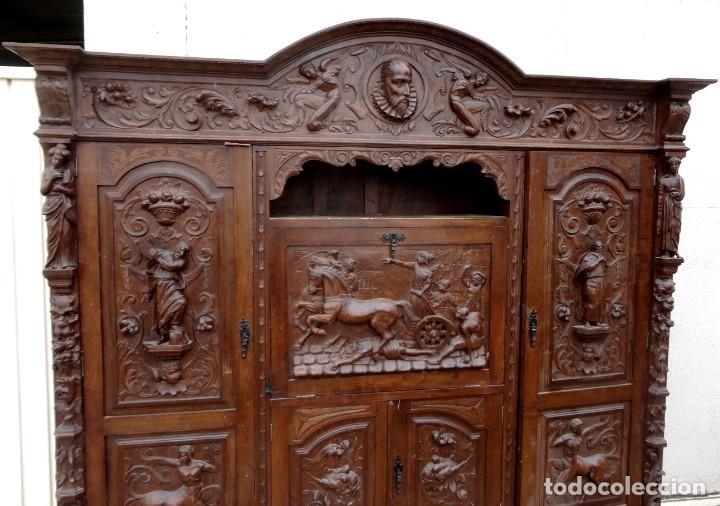 Antigüedades: Libreria antigua de despacho estilo renacimiento muy tallada en madera de haya - Foto 8 - 259769845