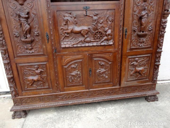 Antigüedades: Libreria antigua de despacho estilo renacimiento muy tallada en madera de haya - Foto 9 - 259769845