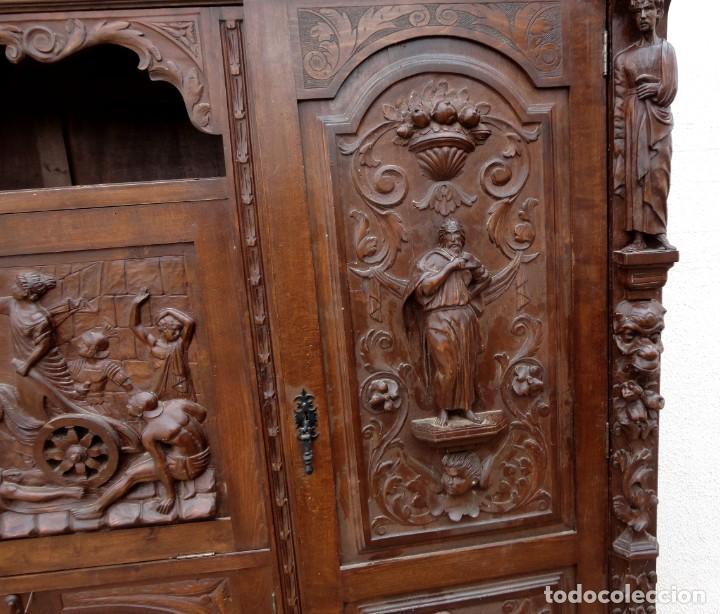 Antigüedades: Libreria antigua de despacho estilo renacimiento muy tallada en madera de haya - Foto 10 - 259769845