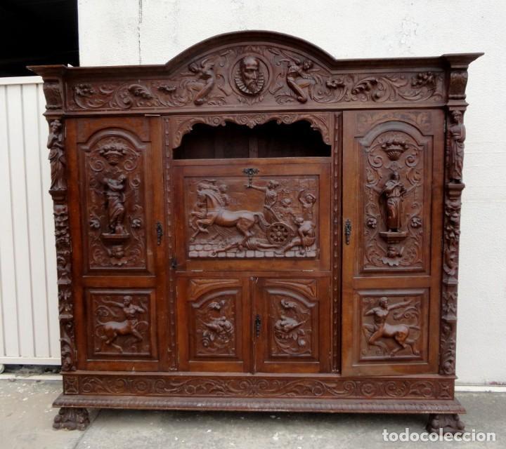 LIBRERIA ANTIGUA DE DESPACHO ESTILO RENACIMIENTO MUY TALLADA EN MADERA DE HAYA (Antigüedades - Muebles Antiguos - Mesas de Despacho Antiguos)