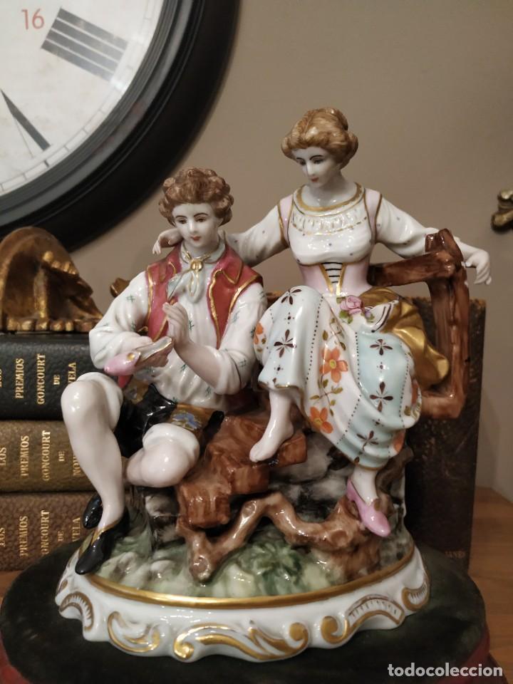 FIGURA PORCELANA SAUTHIER PAREJA ROMÁNTICA ENAMORADOS (Antigüedades - Porcelanas y Cerámicas - Otras)