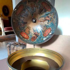 Antigüedades: ENCANTADORA ESFERA O BOLA DEL MUNDO, BOTELLERO, MUEBLE BAR. ABIERTA MIDE APROX 1METRO DE ALTO. Lote 241645680
