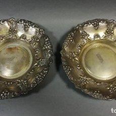 Antigüedades: FUENTES BANDEJAS DE METAL PLATEADO. Lote 241647510