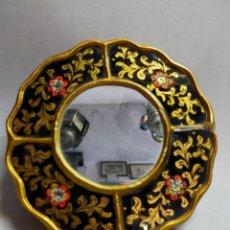 Antiquités: ESPEJO PINTADO A MANO SOBRE CRISTAL. REDONDO, PEQUEÑO TAMAÑO. Lote 241725655