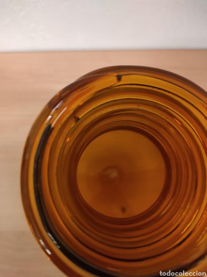 Antigüedades: Jarrón florero bufado de color marrón con cuello torneado - Foto 3 - 241746300