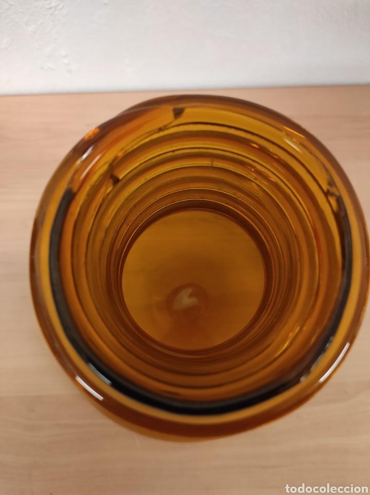 Antigüedades: Jarrón florero bufado de color marrón con cuello torneado - Foto 5 - 241746300