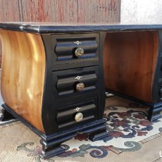 Antigüedades: ESCRITORIO ANTIGUO ESTILO ART DECÓ. MESA DE DESPACHO ANTIGUA RETRO VINTAGE MODERNISTA COLOR NEGRO.. Lote 241824485