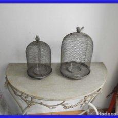 Antigüedades: PAREJA DE FANALES PARA VELA DE REJILLA DE METAL SUPERDECORATIVOS. Lote 241885085