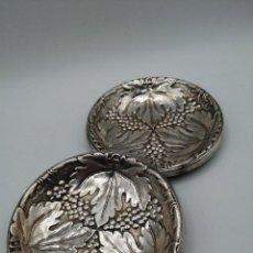 Antigüedades: 2 PLATOS PARA PAN. METAL PLATEADO. Lote 242014415