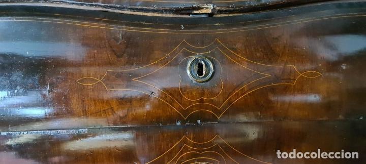 Antigüedades: COMODA EN MADERA DE PALISANDRO. ESTILO ISABELINO. MARQUETERIA DE BOJ. SIGLO XIX. - Foto 10 - 242040395