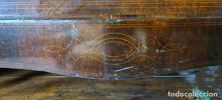 Antigüedades: COMODA EN MADERA DE PALISANDRO. ESTILO ISABELINO. MARQUETERIA DE BOJ. SIGLO XIX. - Foto 18 - 242040395
