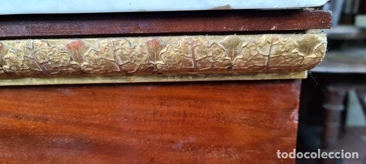 Antigüedades: CONSOLA EN MADERA DE CAOBA. ESTILO IMPERIO. SOBRE DE MÁRMOL. SIGLO XIX. - Foto 13 - 242044345