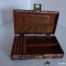 Antigüedades: GRAN JOYERO POLIPIEL Y BROCADO. Lote 242048525