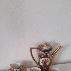 Antigüedades: EXPLENDIDO SERVICIO DE CAFE PORCELANA SA JI FINE CHINA JAPAN ,HECO Y PINTADO A MANO. Lote 242144345