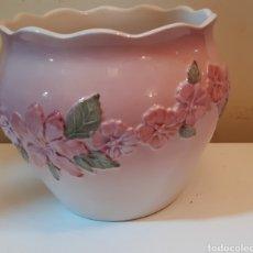 Antigüedades: JARDINERA DE PORCELANA. Lote 242216020