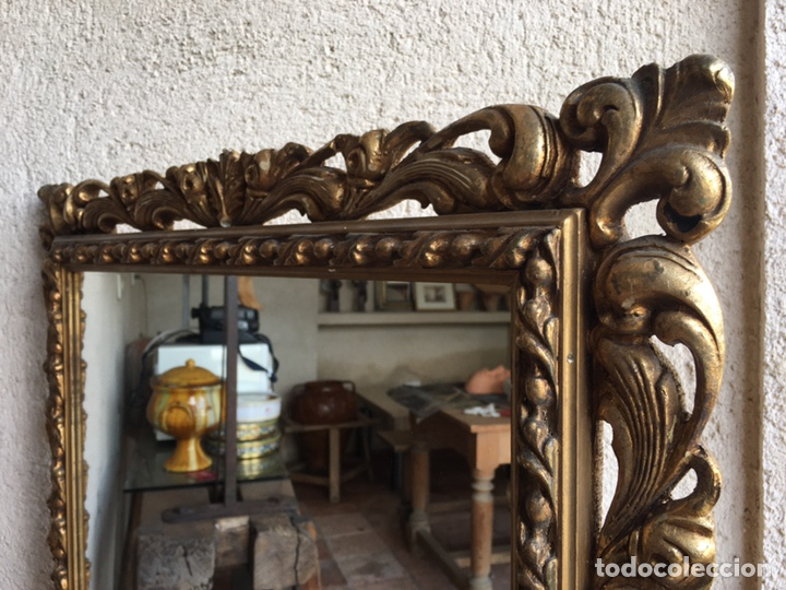 Antigüedades: Precioso espejo antiguo dorado al pan de oro en madera y moldura decorada resinada - Foto 4 - 242339510