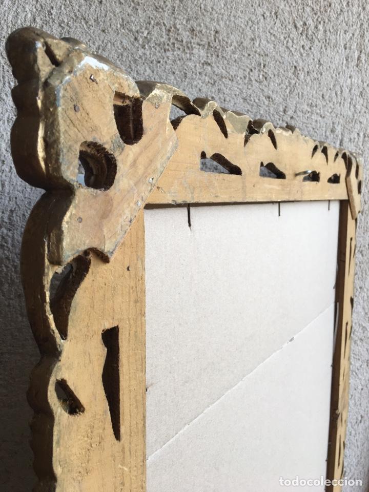 Antigüedades: Precioso espejo antiguo dorado al pan de oro en madera y moldura decorada resinada - Foto 11 - 242339510
