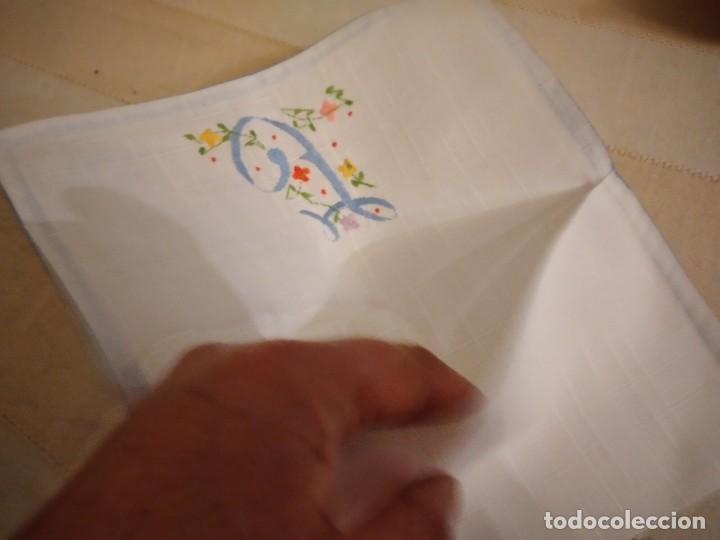 Antigüedades: Antigua bolsita de lino bordada a mano para bocadillo letra j - Foto 5 - 242392805