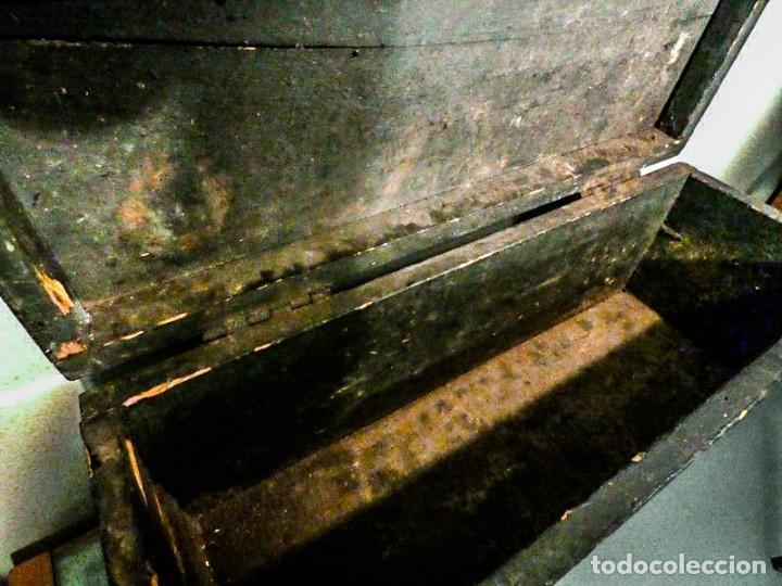 Antigüedades: BAUL ALARGADO DE MADERA ANTIGUA - Foto 2 - 178653521