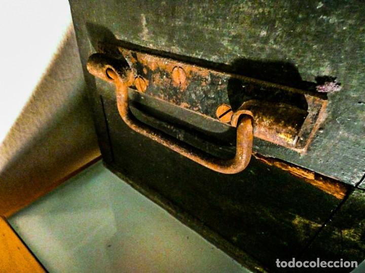 Antigüedades: BAUL ALARGADO DE MADERA ANTIGUA - Foto 3 - 178653521