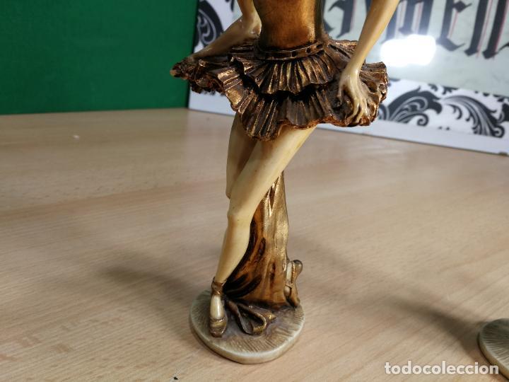 Antigüedades: DOS FIGURAS ANTIGUAS DE DOS BAILARINAS, DESCONOZCO EL MATERIAL, BELLISIMAS - Foto 14 - 242426120