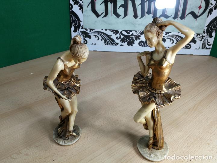 DOS FIGURAS ANTIGUAS DE DOS BAILARINAS, DESCONOZCO EL MATERIAL, BELLISIMAS (Antigüedades - Hogar y Decoración - Figuras Antiguas)