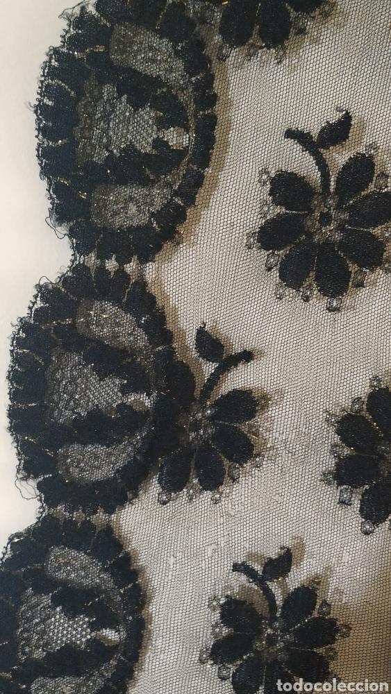 Antigüedades: Preciosa Mantilla chantilli,negra y dorada - Foto 2 - 242477770