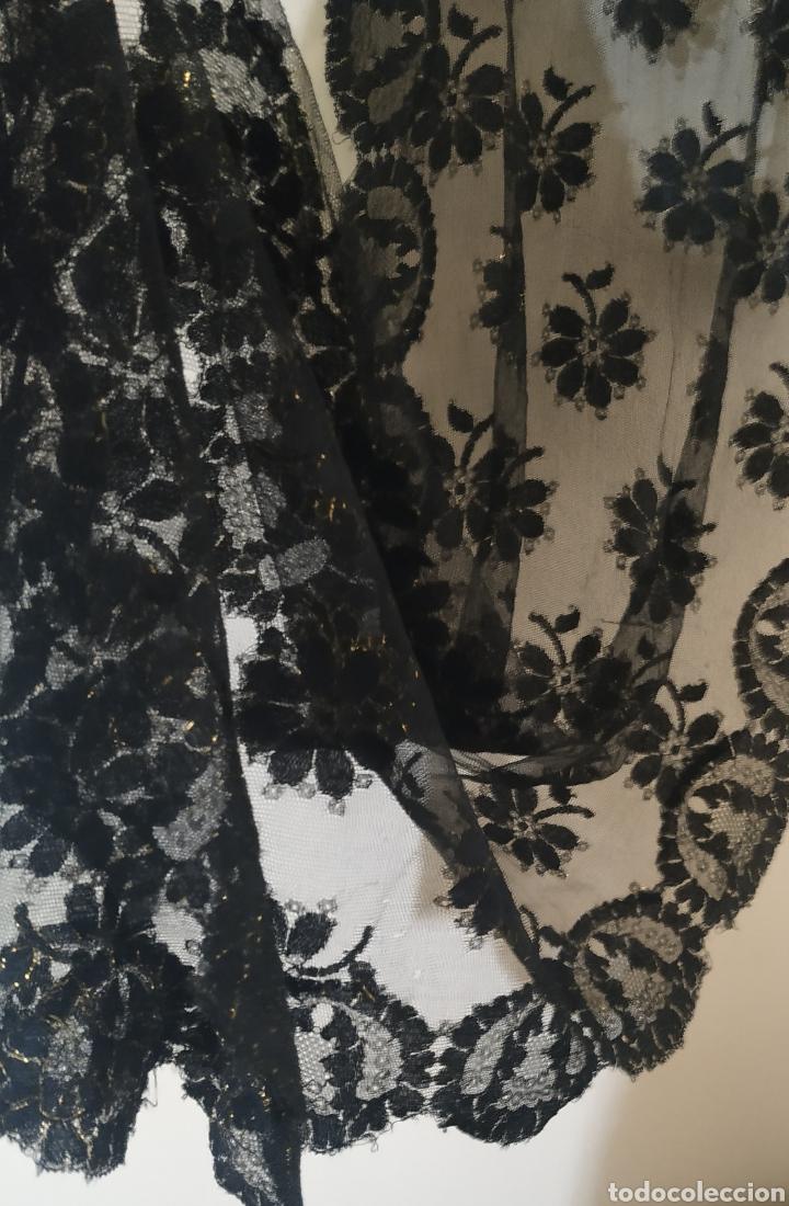 Antigüedades: Preciosa Mantilla chantilli,negra y dorada - Foto 3 - 242477770