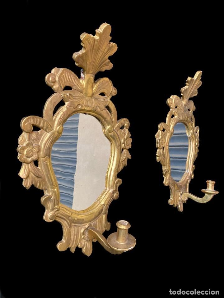 Antigüedades: Antigua pareja de espejos, cornucopias barrocas, doradas al oro fino con candelero. 52x34. XVIII - Foto 2 - 242828350