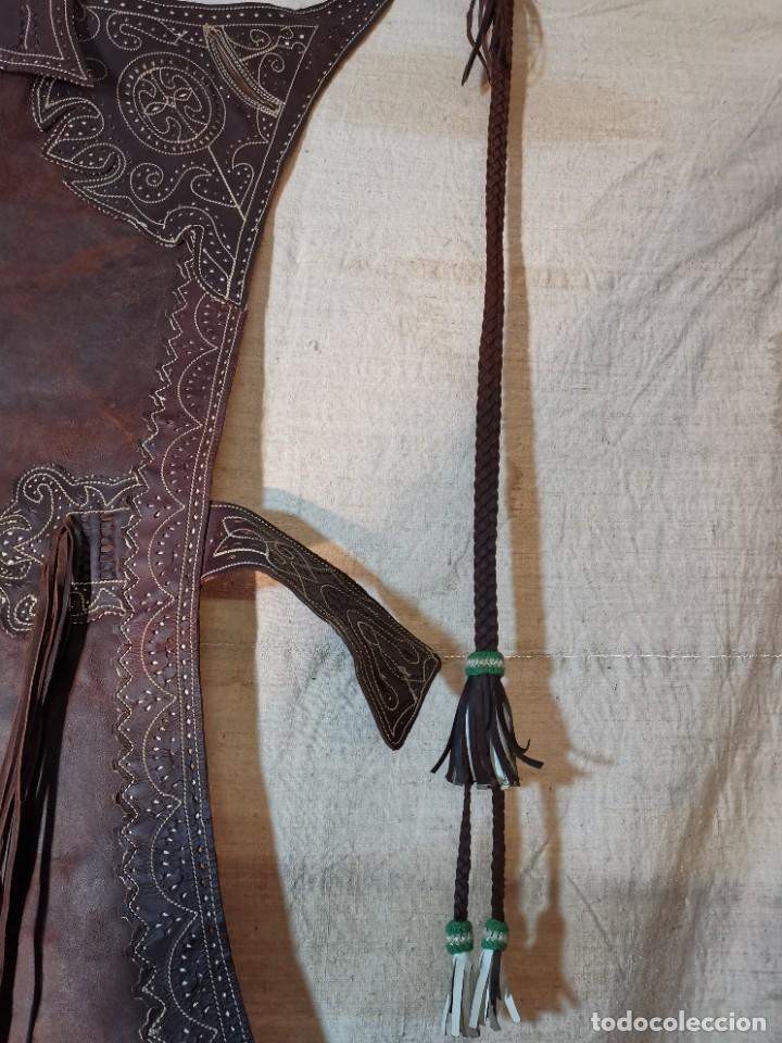 Antigüedades: ANTIGUOS ZAHONES ANDALUCES CABALLERIA GANADERO JINETE CUERO BECERRO -ANDALUCIA - Foto 18 - 242881715