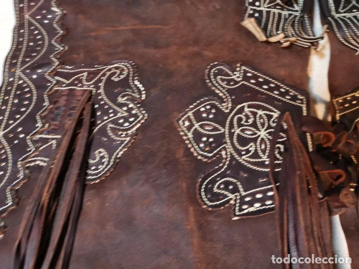 Antigüedades: ANTIGUOS ZAHONES ANDALUCES CABALLERIA GANADERO JINETE CUERO BECERRO -ANDALUCIA - Foto 31 - 242881715