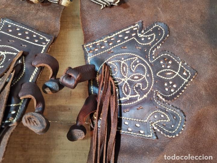 Antigüedades: ANTIGUOS ZAHONES ANDALUCES CABALLERIA GANADERO JINETE CUERO BECERRO -ANDALUCIA - Foto 37 - 242881715
