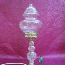 Antigüedades: ELEGANTE LAMPARA DE MESA ANTIGUA AÑOS 40 RESTAURADA CABLE NUEVO. Lote 242911405