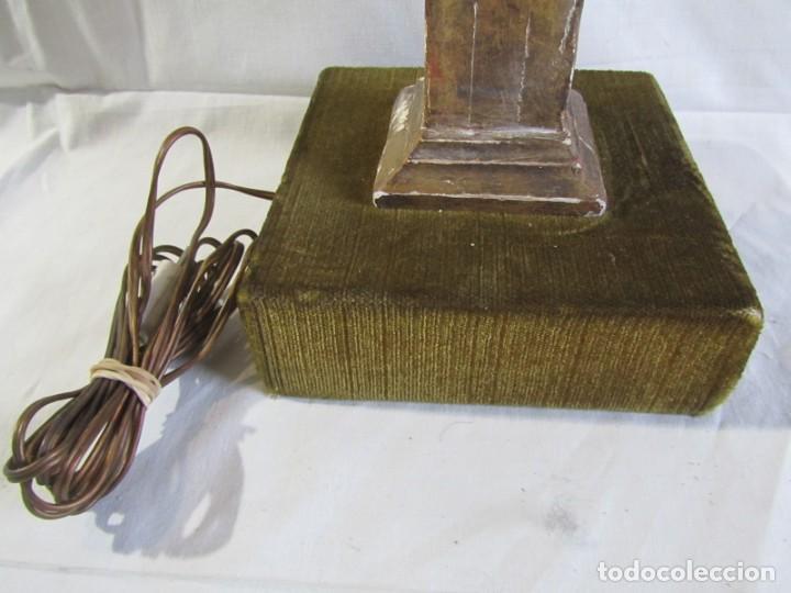 Antigüedades: Lámpara de sobremesa fabricada con antigua pieza de madera con pan de oro, funcionando - Foto 6 - 243012160