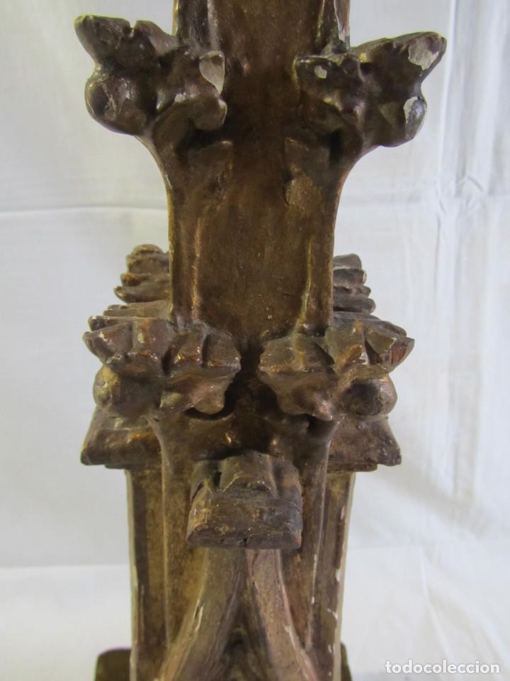 Antigüedades: Lámpara de sobremesa fabricada con antigua pieza de madera con pan de oro, funcionando - Foto 13 - 243012160