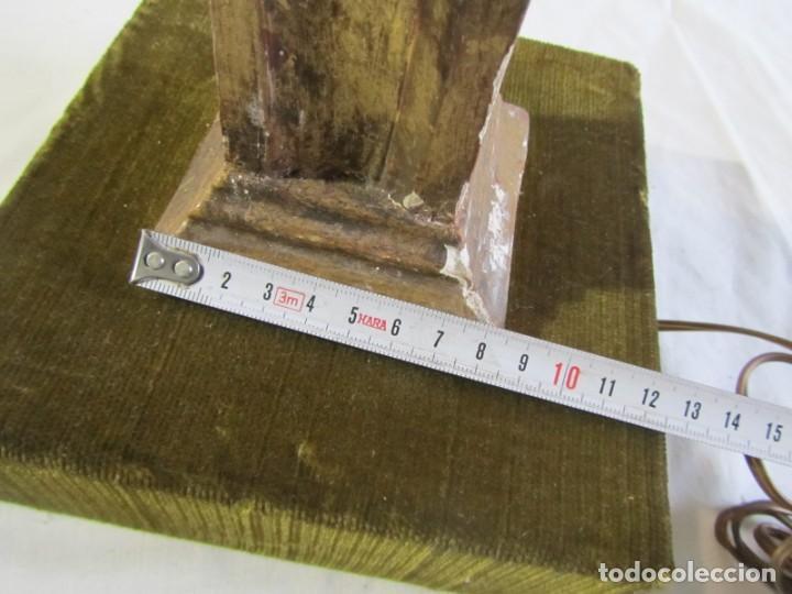 Antigüedades: Lámpara de sobremesa fabricada con antigua pieza de madera con pan de oro, funcionando - Foto 21 - 243012160