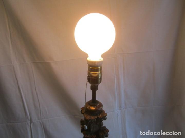 Antigüedades: Lámpara de sobremesa fabricada con antigua pieza de madera con pan de oro, funcionando - Foto 23 - 243012160