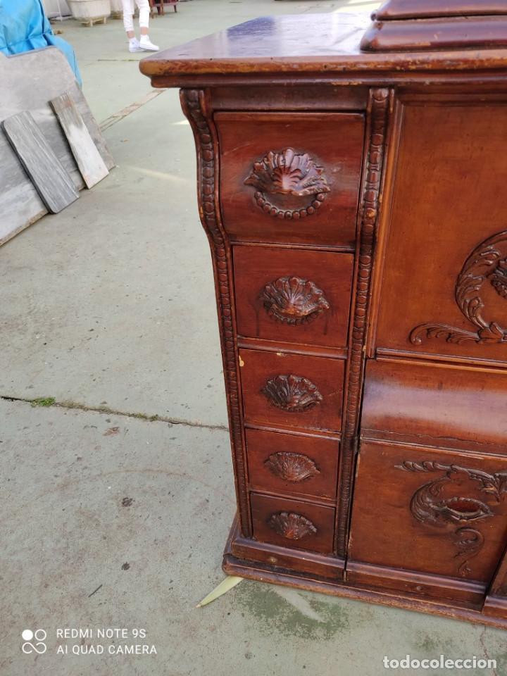 Antigüedades: mueble de maquina de coser - Foto 2 - 243018030