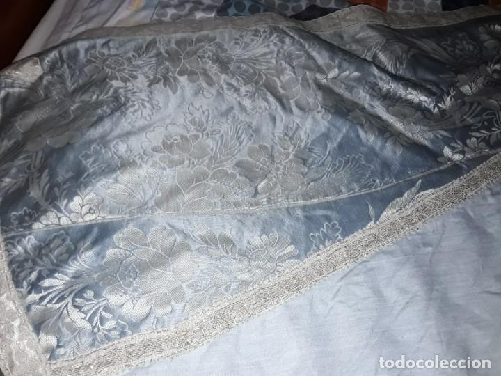 Antigüedades: Capa y blusa para vigen y niño Jesús, confeccionado por religiosas 197x91 - Foto 3 - 243100265
