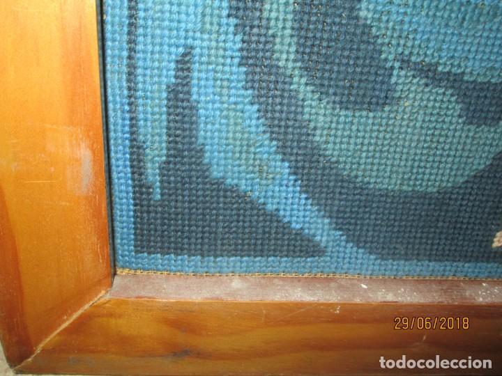 Antigüedades: ANTIGUO TAPIZ BORDADO religioso VIRGEN CON NIÑO JESUS ARTESANAL - Foto 3 - 243121980