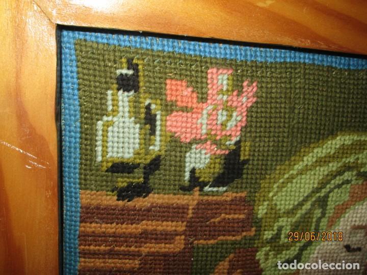 Antigüedades: ANTIGUO TAPIZ BORDADO religioso VIRGEN CON NIÑO JESUS ARTESANAL - Foto 4 - 243121980