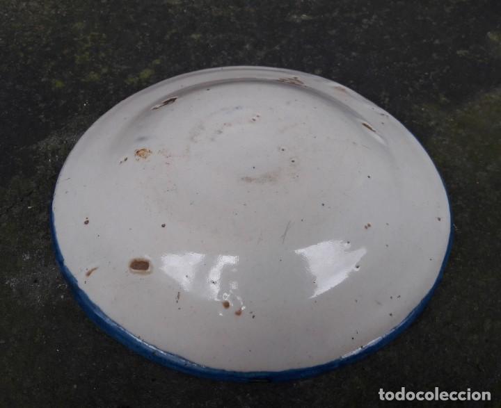 Antigüedades: Pequeño plato Manises s xviii xix - Foto 6 - 243242460