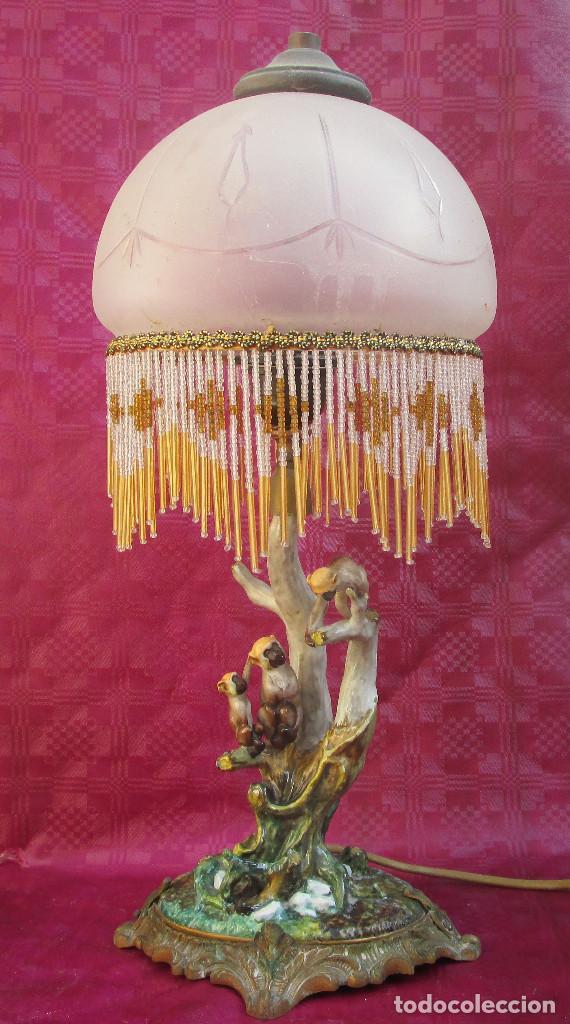 Antigüedades: Lampara antigua chimpance en ceramica sobre bronce y tulipa y cuentas cristal, sellada a identificar - Foto 8 - 243298640