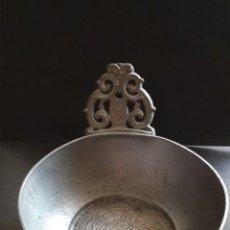Antigüedades: CUENCO BAUTISMAL ESTAÑO PURO. Lote 243325625
