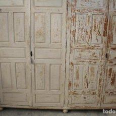 Antigüedades: ARMARIO RUSTICO DE MADERA MACIZA. Lote 243327310