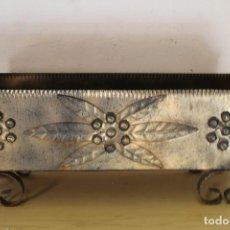 Antigüedades: JARDINERA VINTAGE DE METAL. Lote 243333495